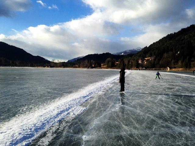 Eislaufen ohne Grenzen am Weißensee