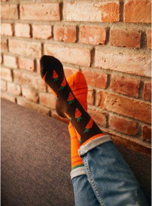 Bunte tolle Socken Frische Karotten