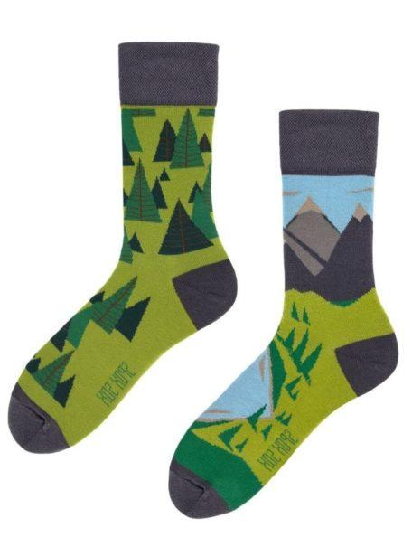 Bunte Socken Berg und Wald senza confini