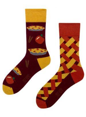 Selbstgemachter Apfelkuchen Socken