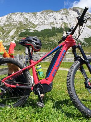 Sonnenrote Fahrrad Socken